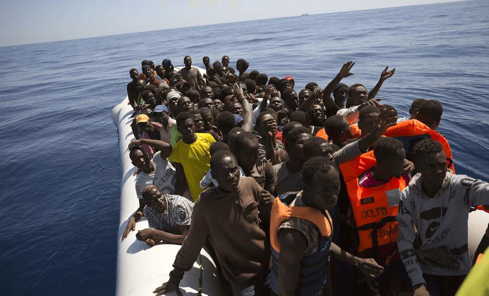 Migrantes buscan llegar a Europa a través del Mediterráneo