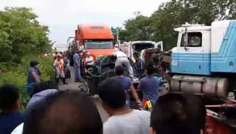 Camioneta, Impacta, Trailer, Chiapas, Choque en chiapas, Accidente vial