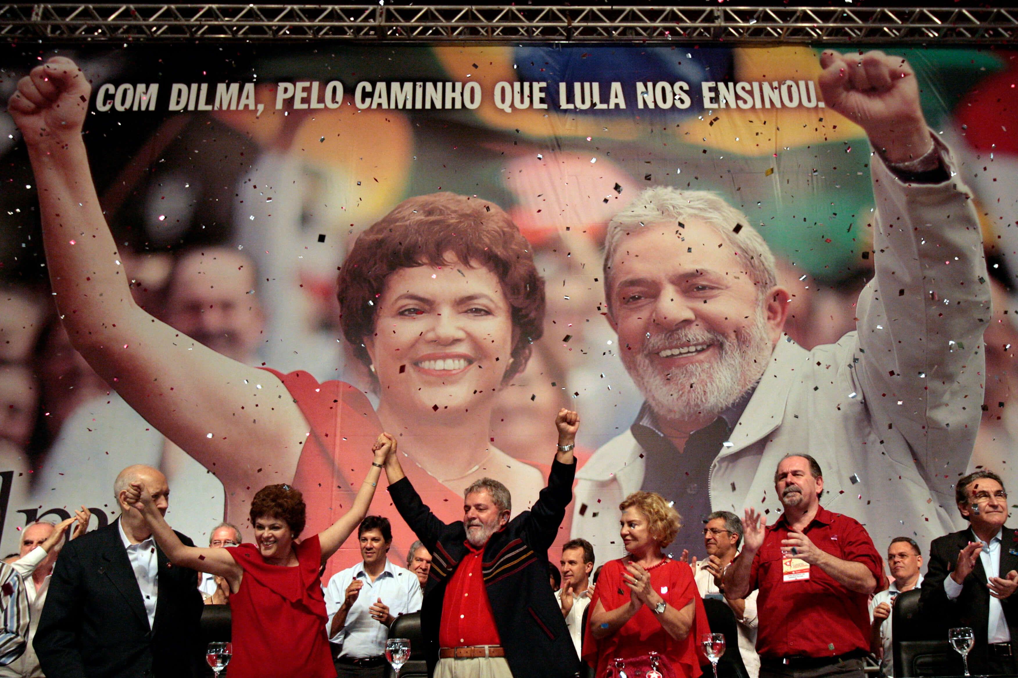 Dilma Roussef con Lula da Silva en un mitin en Brasil