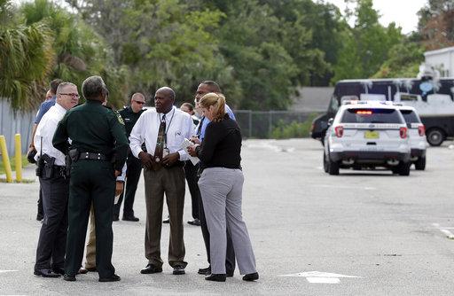 Autoridades del condado de orange invsetigan asesinato