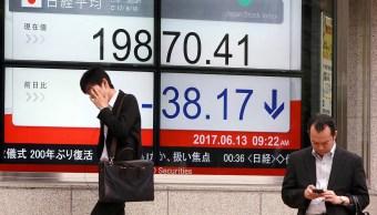 Bolsa de Tokio registra baja ante incertidumbre por reunión de Fed