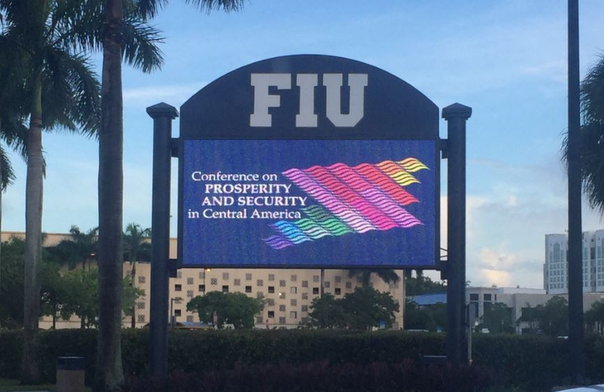 Conferencia de seguridad regional en la Universidad Internacional de Florida