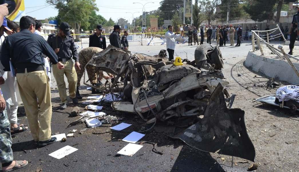 Daños por explosión en Quetta, Pakistán
