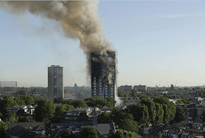 Mujer, bebé, incendio, Londres
