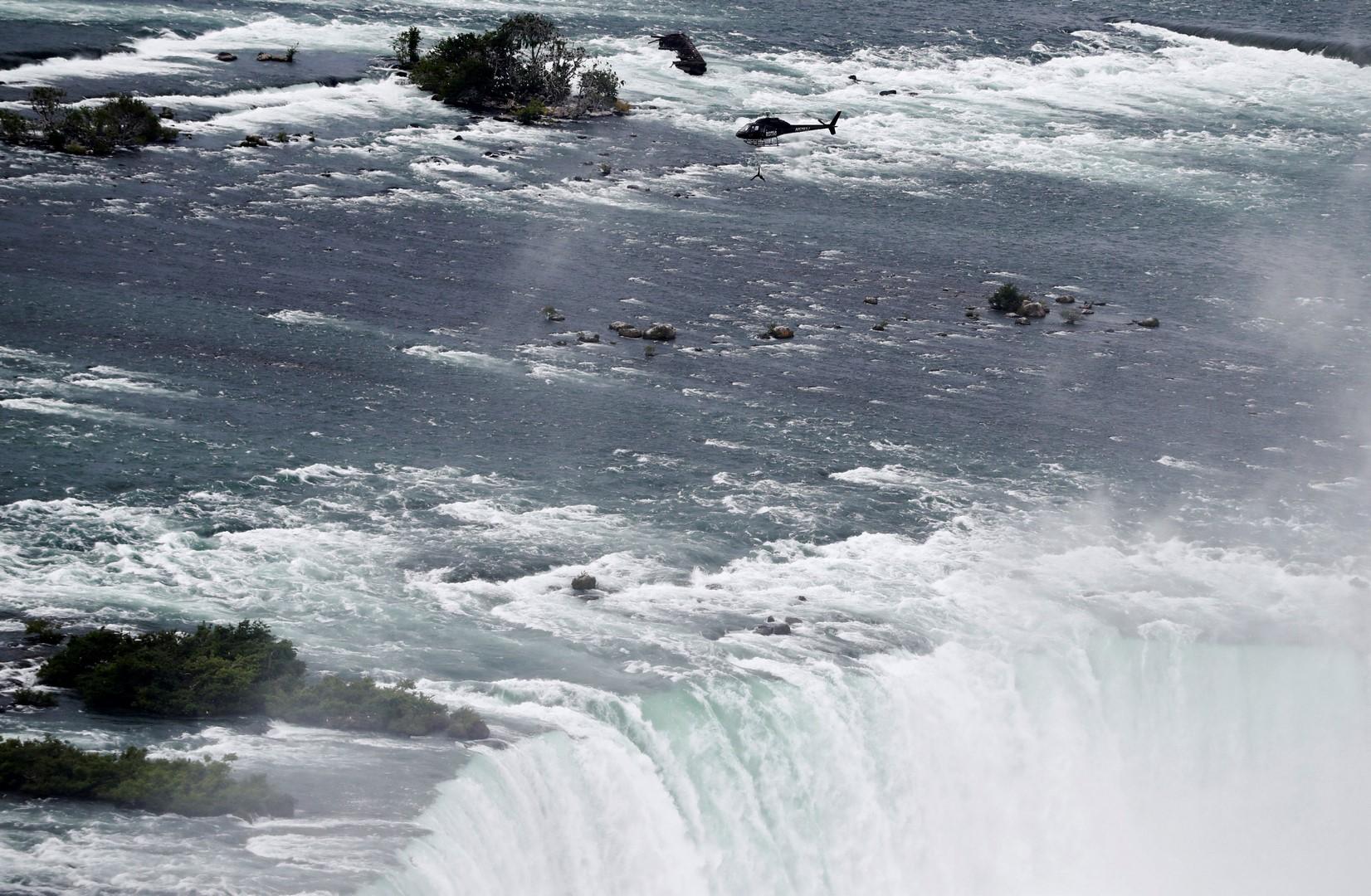 Erendira Wallenda sobrevuela Cataratas del Niágara