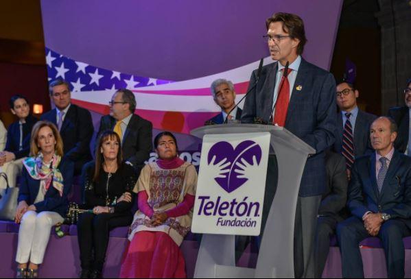 Fernando Landeros da un discurso por los discapacitados