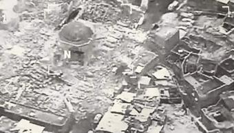 Fotografía aérea de los restos destruidos de la Gran Mezquita de al-Nuri en el oeste de Mosul, Irak