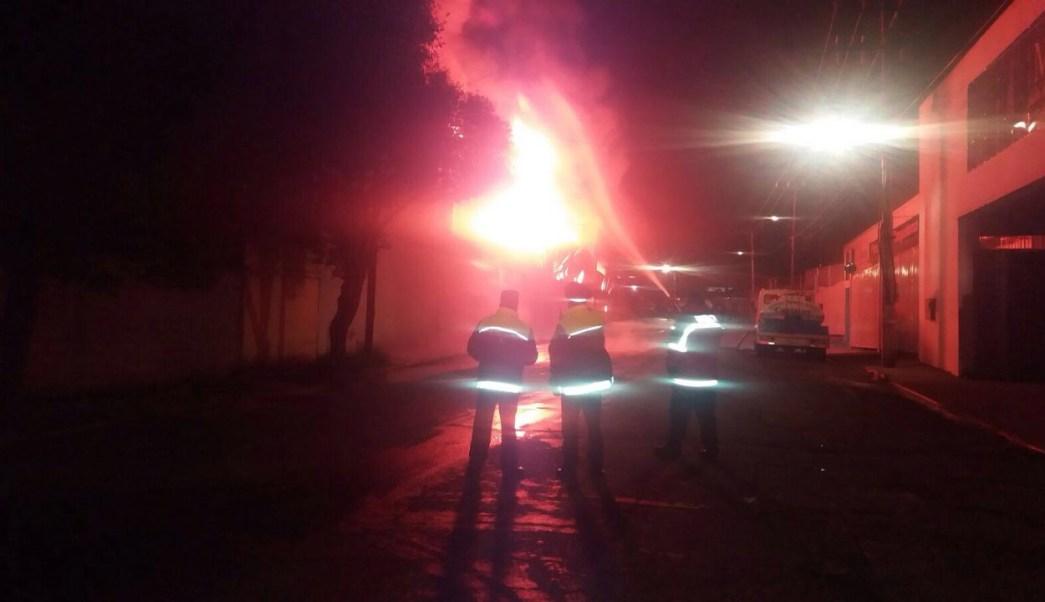 incendio consume una fabrica en tianguistenco