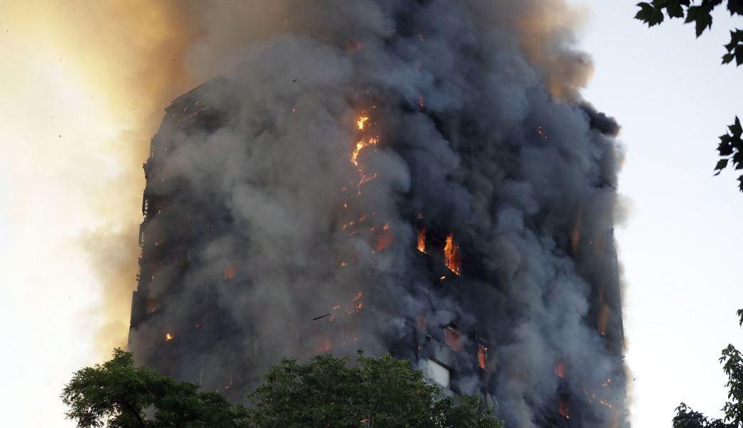 Bomberos, Desaparecidos, Incendio, Edificio de Londres, Muertos, Sobrevivientes, Hospitalizados