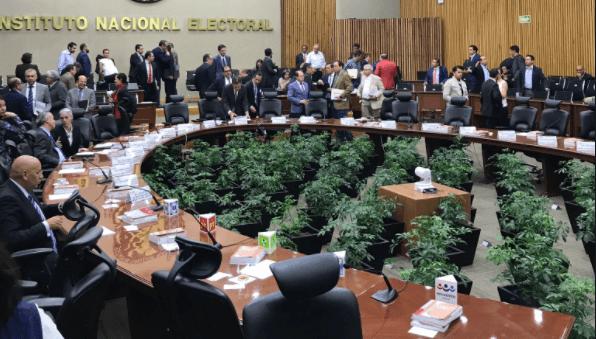 Sesión permanente del INE, Instituto Nacional Electoral,