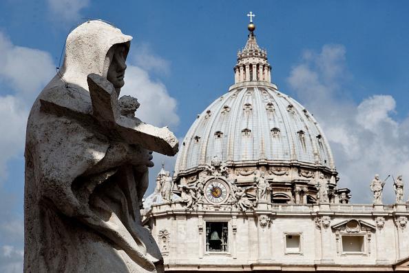 Alrededores de la plaza de san pedro en el vaticano