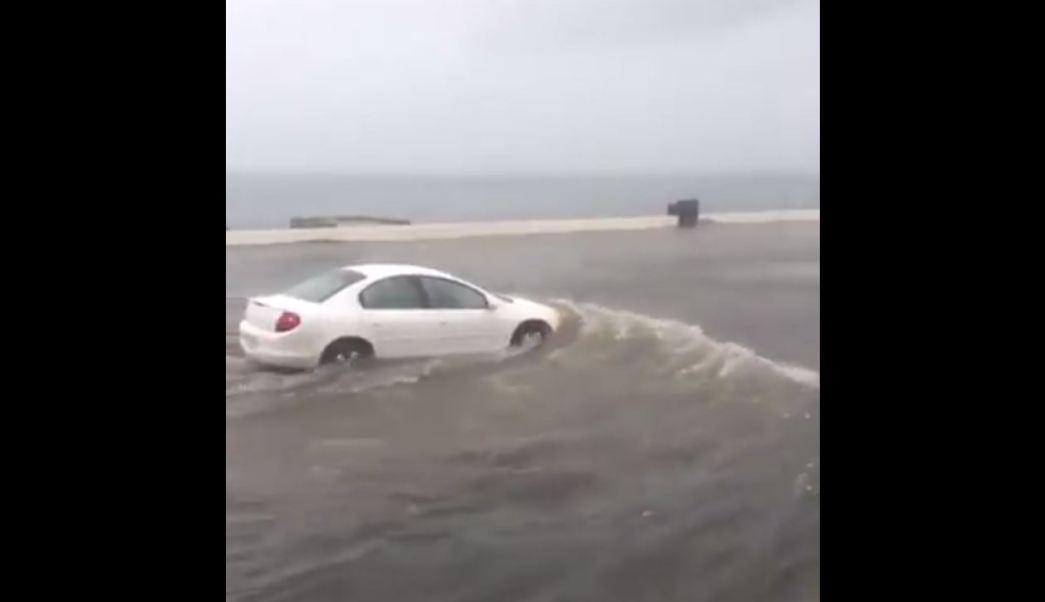 Inundación en el boulevar costero de Veracruz