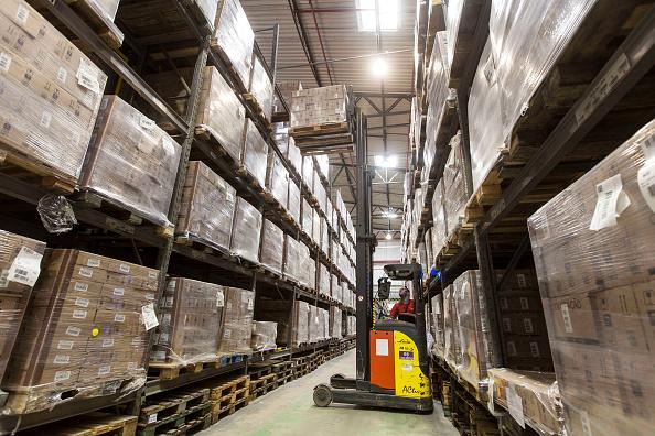 Los inventarios de empresas en EU registraron su mayor caída en seis meses