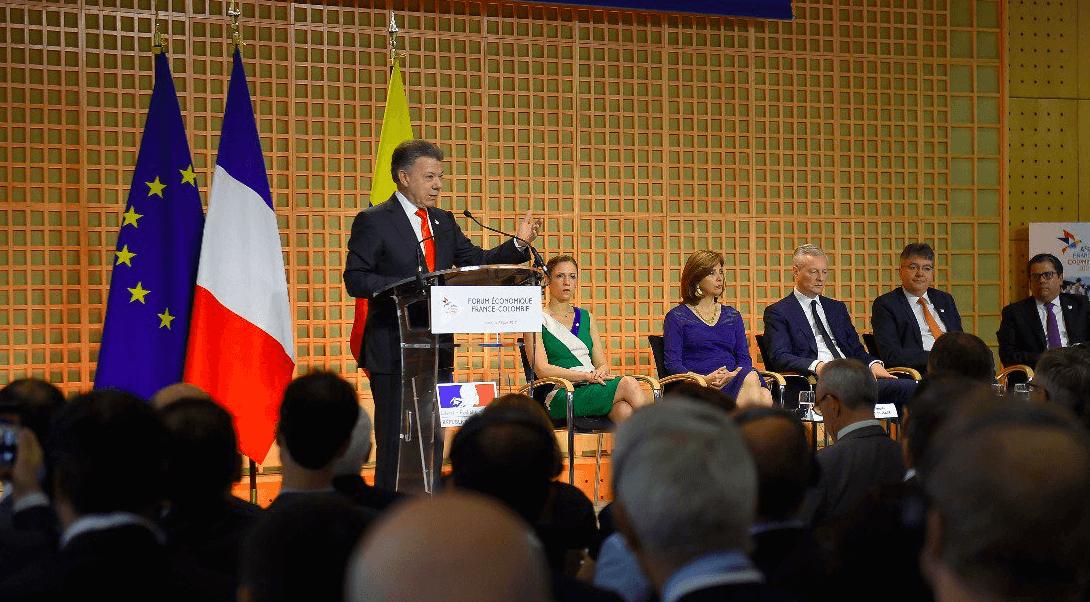 Juan Manuel Santos participó en un foro económico en París, Francia