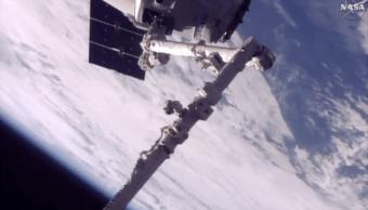 La nave Dragon logró acoplarse a la Estación Espacial Internacional. (AP)
