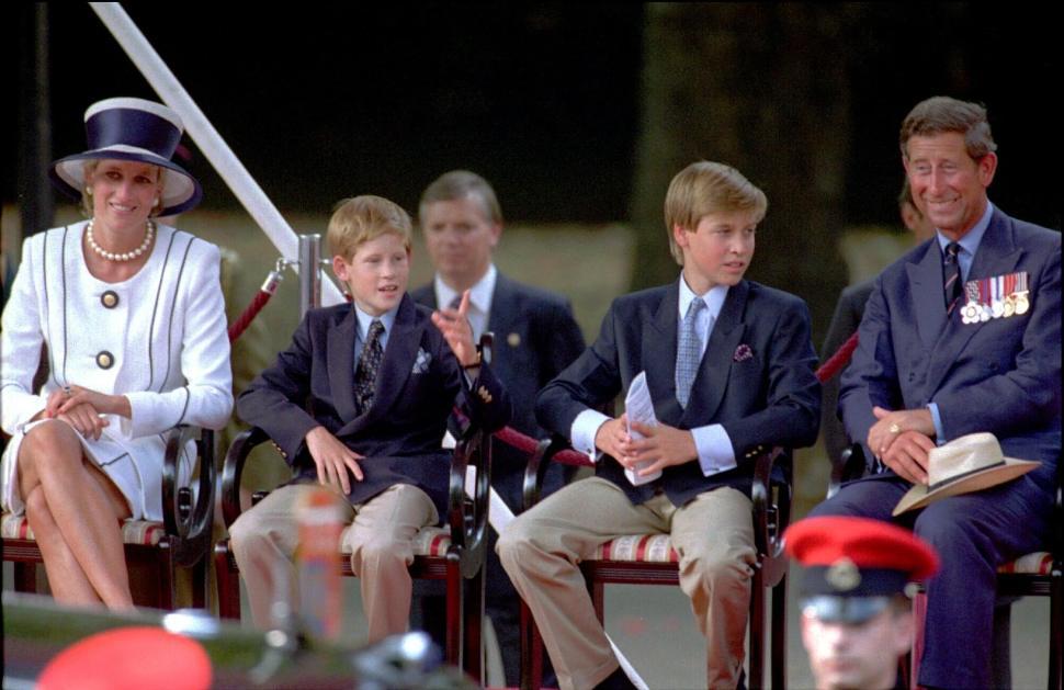 Lady Di con sus hijos Enrique y Guillermo en 1995