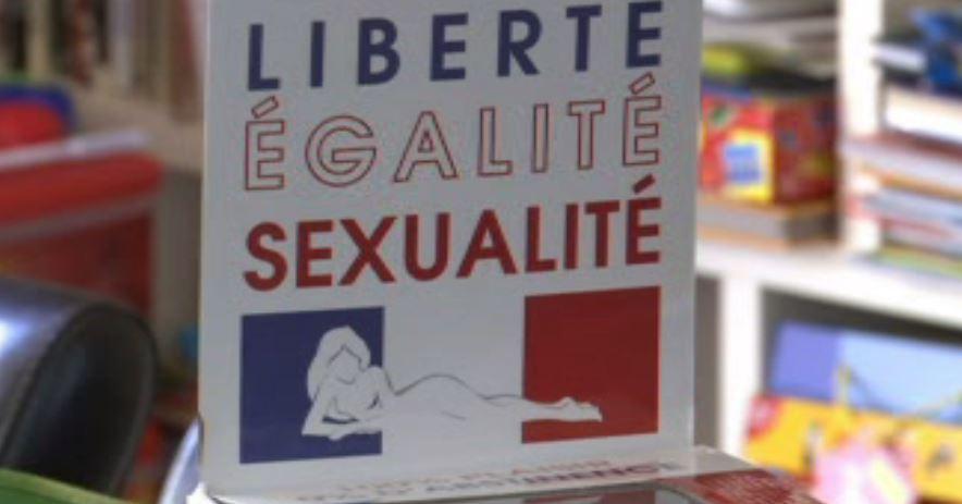 Letrero con frase editada Libertad, Igualdad y Sexualidad