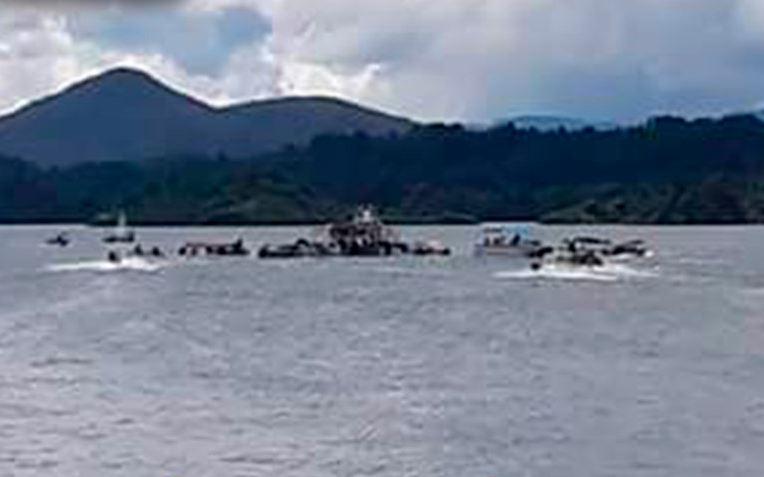 Embarcación Con 150 Personas Naufraga En Colombia, Embalse De Guatape, Turismo, Medellin, Colombia, Emergencia, Comando Areo, Televisa, Noticieros, Televisa News