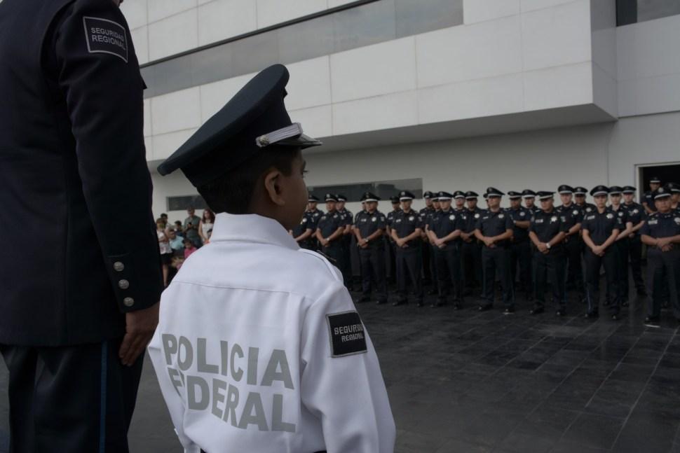 Nombran a niño Policía Federal Honorario