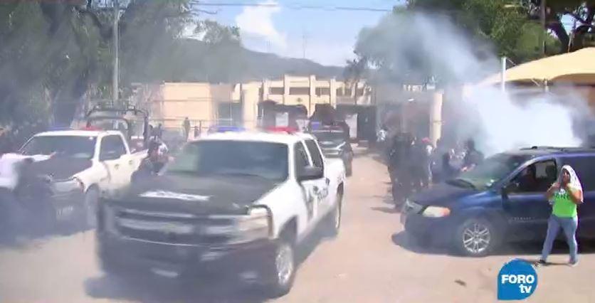 Familiares protestan en penal de Ciudad Victoria por traslado de reos
