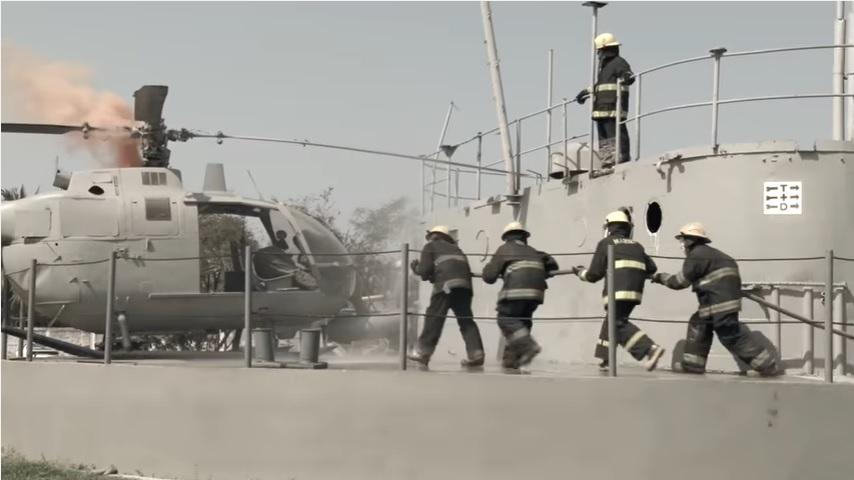 marinos extinguen incendio en ensenada