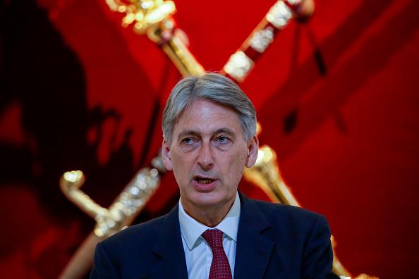 Philip Hammond considera que será necesario replantear las reglas financieras