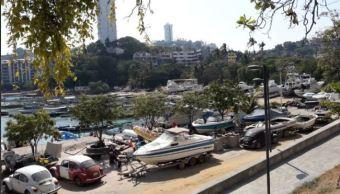 Embarcaciones se convierten en chatarra en playa manzanillo