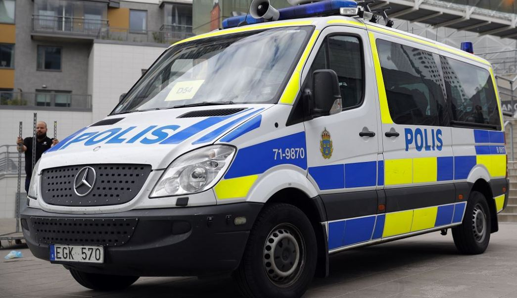 Estocolmo, Suecia, policía, atentado, seguridad, taxi, camioneta