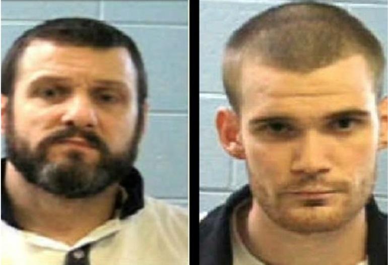 Los presos Donnie Russell Rowe y Ricky Dubose son buscados por asesinar a dos oficiales antes de escapar (Foto: khou)