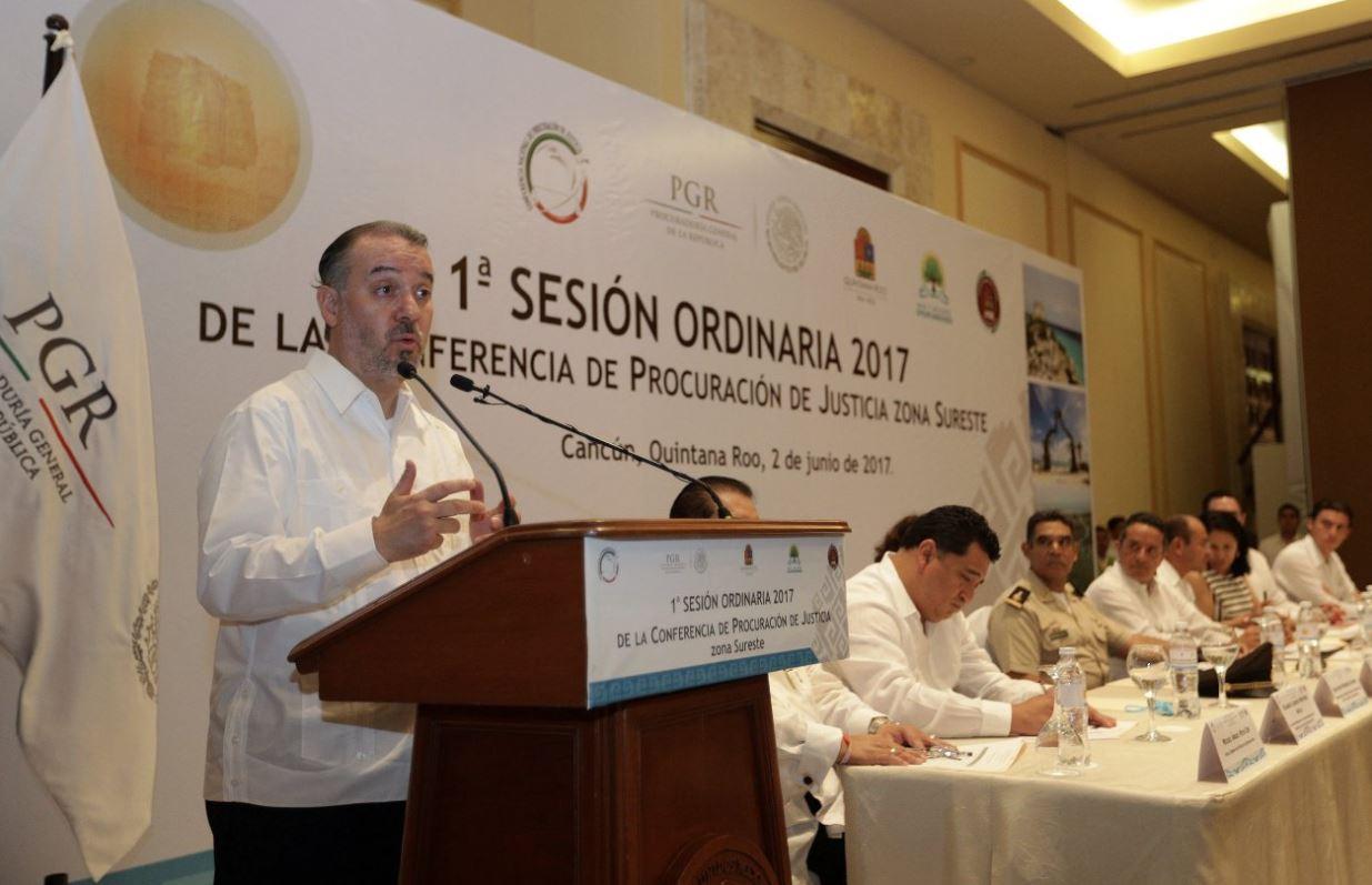 México adoptará estrategia colombiana para combatir robo de combustibles