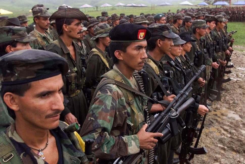 Rebeldes de las FARC reunidos en San Vicente del Caguán