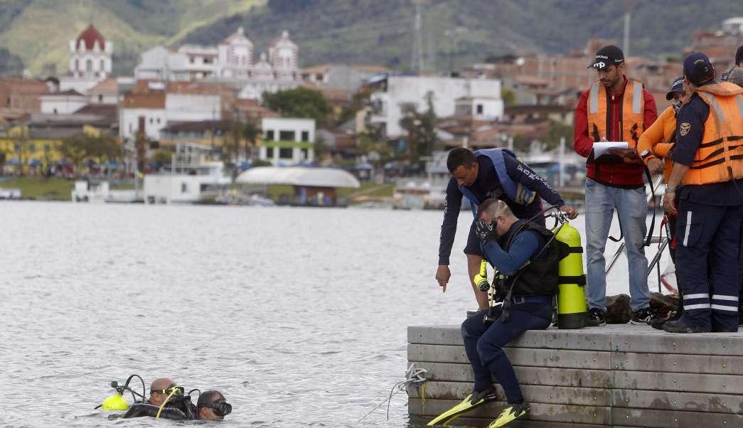 Rescate de víctimas de naufragio en Colombia