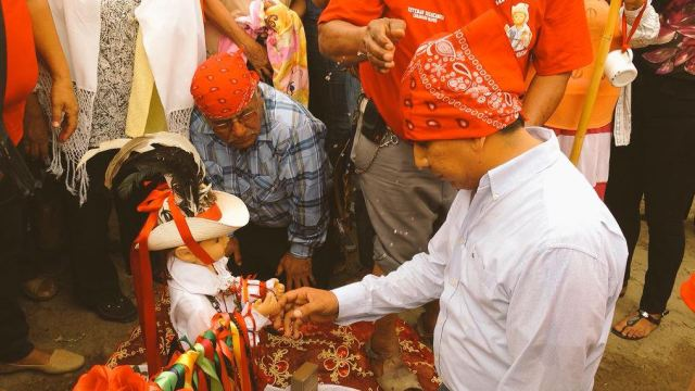 Indígenas Mayos realizan tradicional baño de San Juan Bautista en Sonora
