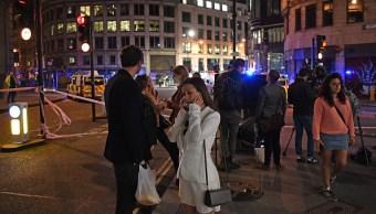 La Policía impide el paso en zonas aledañas al Puente de Londres (Getty Images)