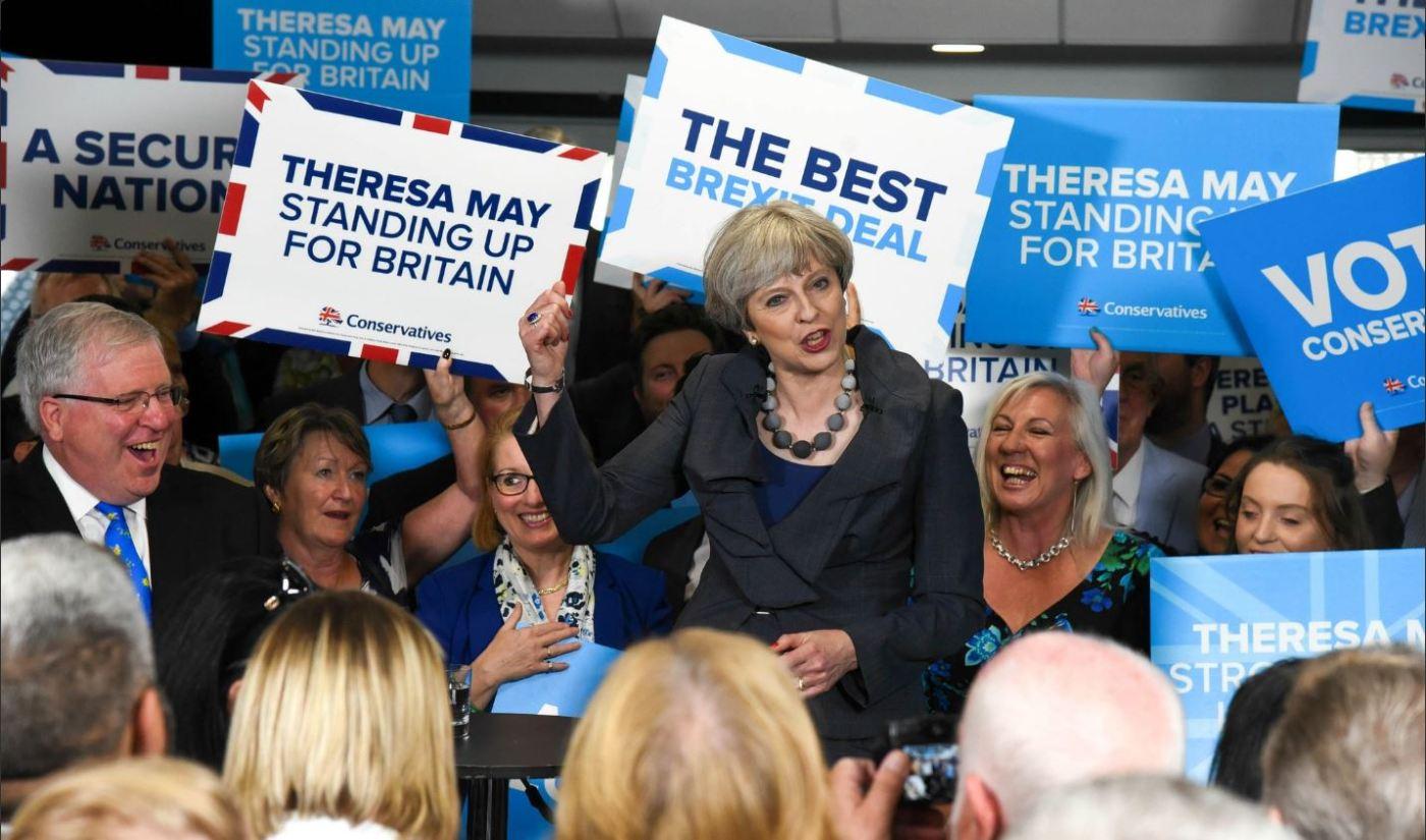 Theresa May participa en un evento electoral