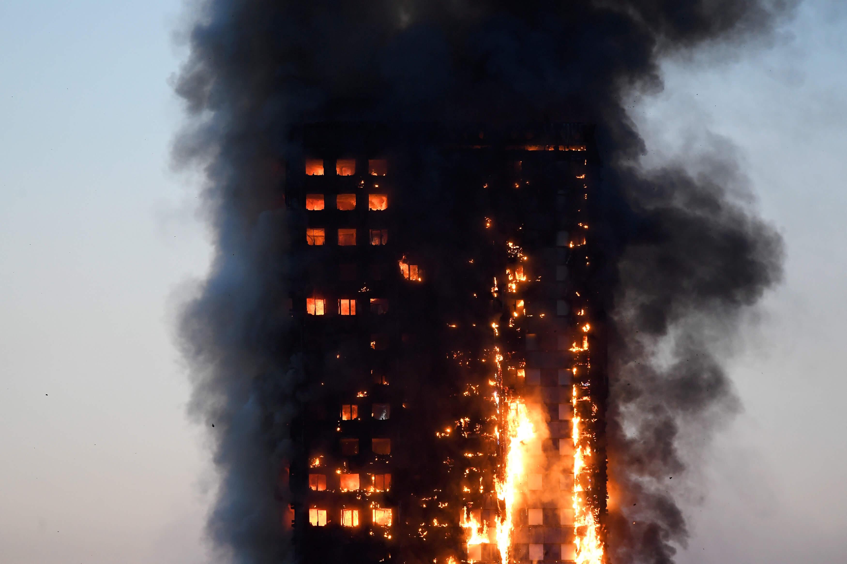 Al menos 6 muertos en el incendio en Londres (Galería)