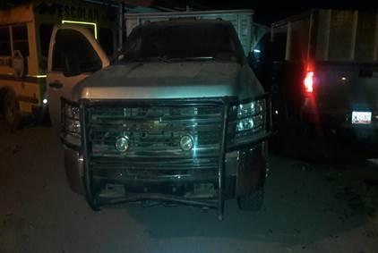 Camioneta asegurada tras balacer en Guamuchil