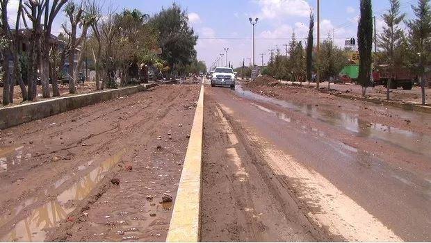 Transito afectado por lluvia y granizo en zacatecas
