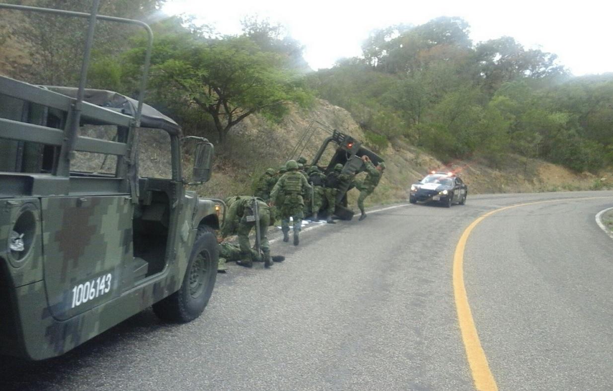 Vuelca vehículo militar en Oaxaca y deja saldo de 6 heridos