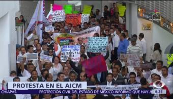 Protestan permisionarios, concesionarios, choferes de taxi, AICM, Uber, Cabify