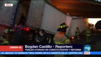 tráiler, queda atorado, desnivel, avenida Constituyentes, Reforma