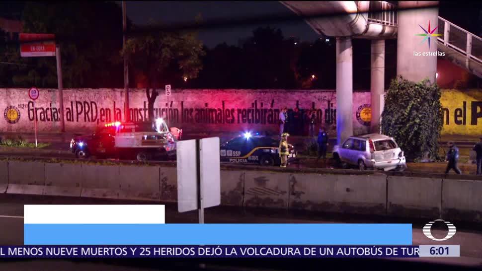 persona muere, volcar su camioneta, Anillo Periférico, las Flores, CDMX