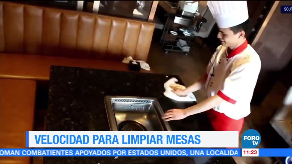 restaurante 'Hai Di La', China, servicio extra rápido, limpiar mesas