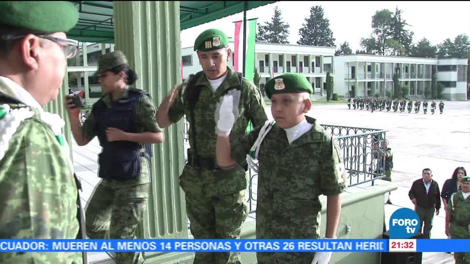 Niño, con cácer, cumple sueño, pertenecer, Ejército, mexicano