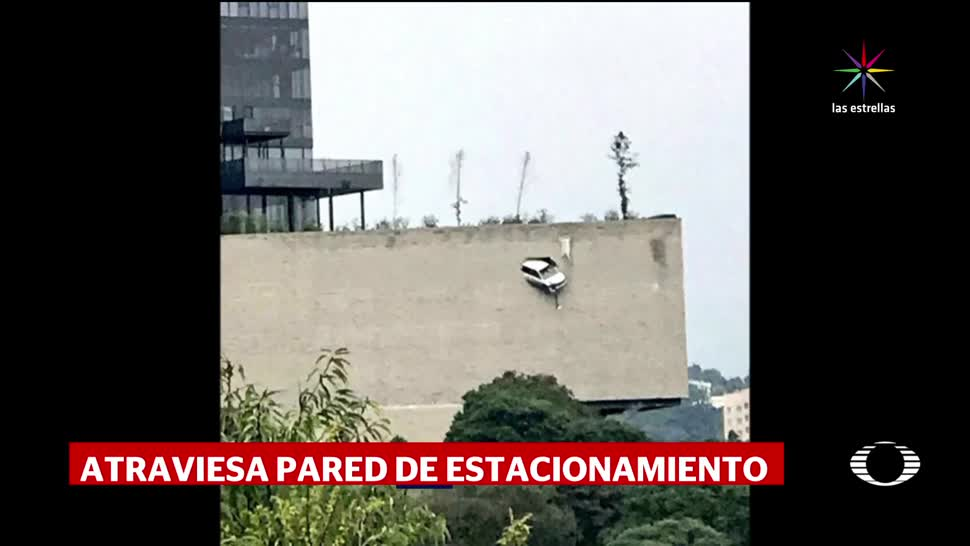 noticias, televisa, Camioneta, queda al borde, barranca de 30 metros, CDMX