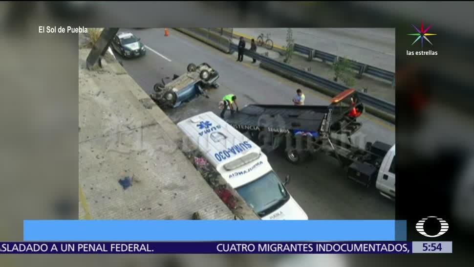 Automóvil, puente, México Puebla, heridos