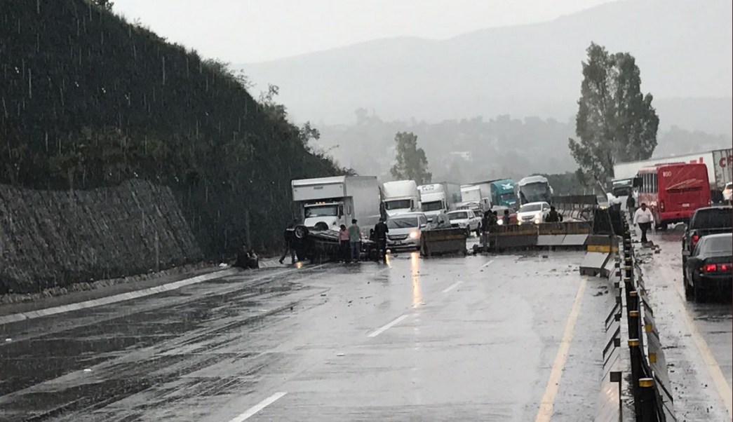 Accidente Vial, Autopista Mexico Queretaro, Vilaidad, Trafico, Policia Federal