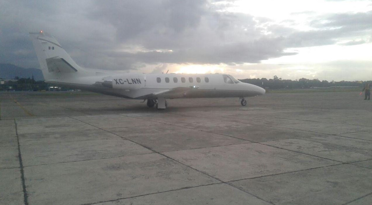Avión de PGR en el que Javier Duarte fue exraditado de Guatemala