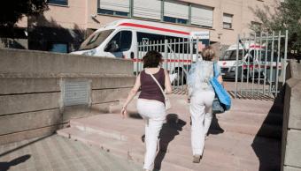Agentes visitan a madre de mujer que dice ser hija Dalí