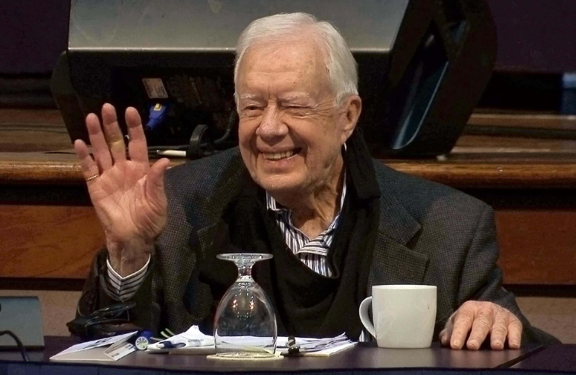 Jimmy Carter fue tratado por deshidratación en Canadá